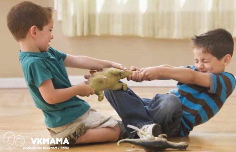 Ребенок конфликтует со сверстниками: что делать?