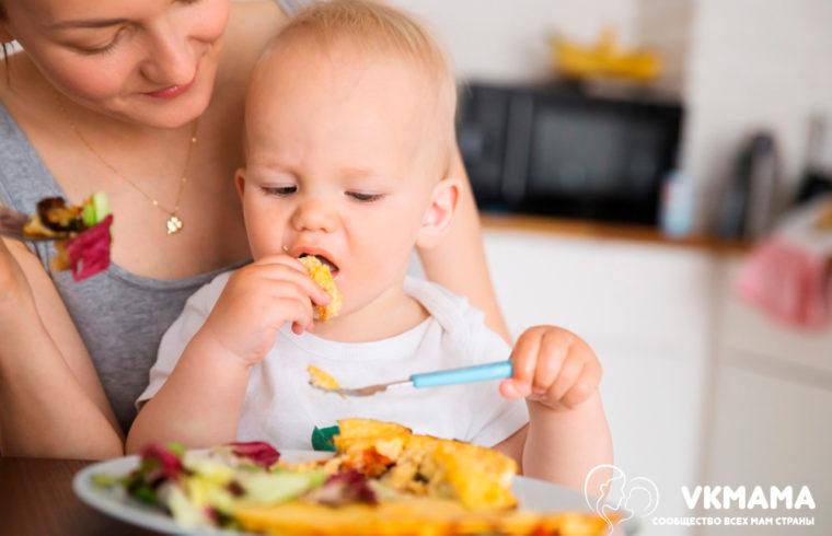 Почему ребёнок давится едой