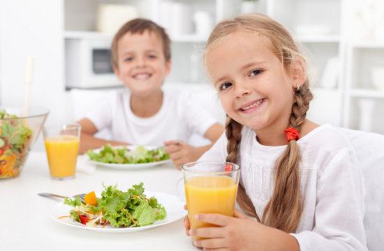 Как правильно приучить ребенка к здоровому питанию?